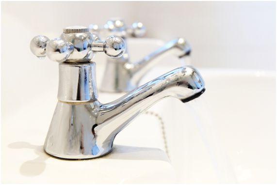 decoração de banheiro: tipos de torneiras