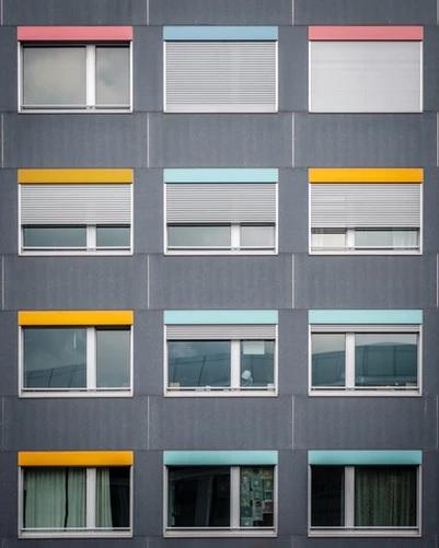 Cortinas ou venezianas - decoração de apartamento