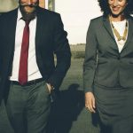 Qual roupa usar em uma reunião de negócio?