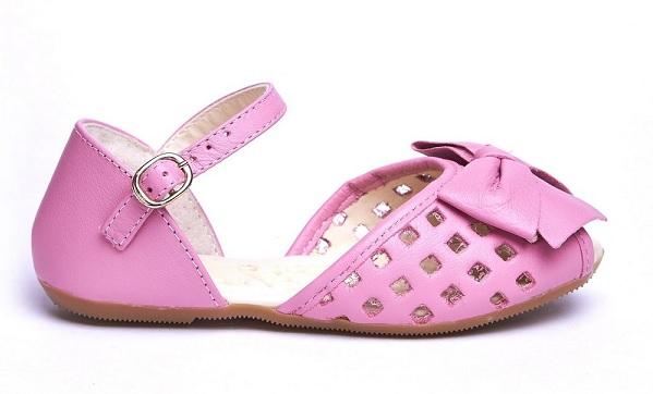 Acessório infantil: sandália cor de rosa