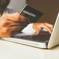 fazendo compras pela internet